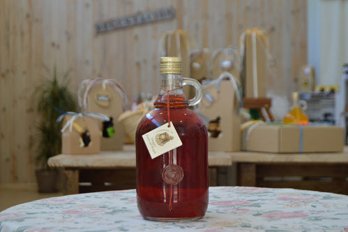 Forest fruits vinegar 1L.