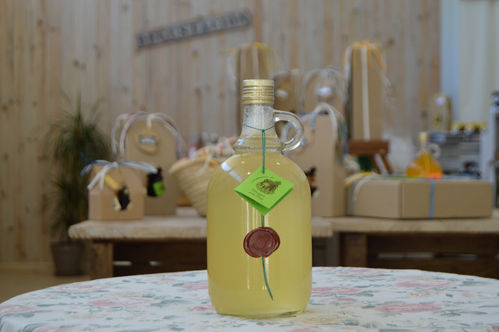 Pineapple vinegar 1 L.